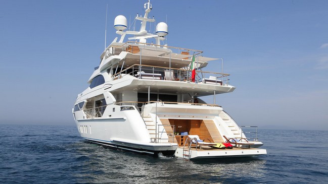 Superyacht at 4YACHT